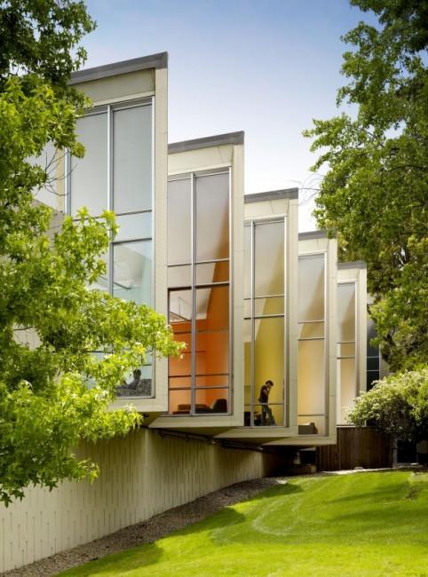 Facebook: Auch von außen ist der Bürokomplex modern